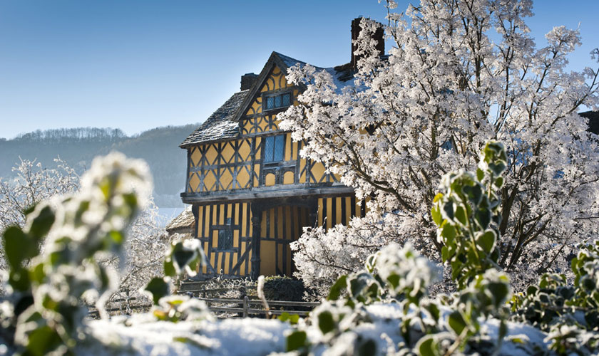 Stokesay Gatehouse in snow